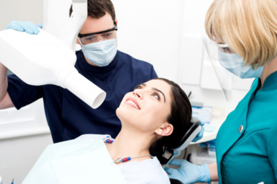 Röntgen maskin hos tandläkare